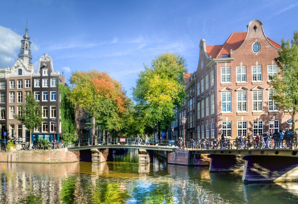 amsterdam-3714607_1920